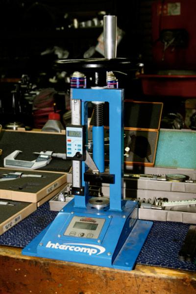 パワービルダー バルブスプリングのバネレート計測器