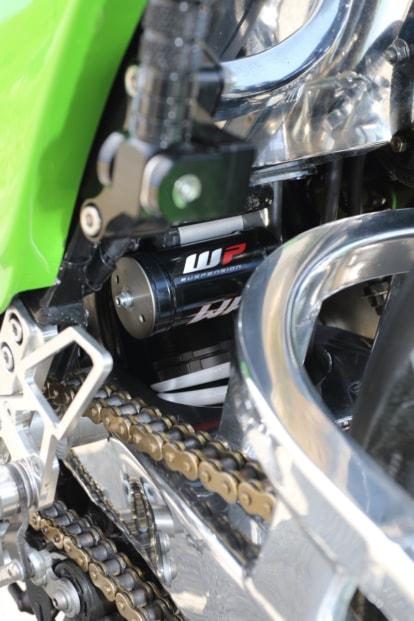 モトガレージイトウ GPZ900R リヤショック