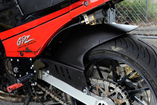 GPZ900R by バイクショップ プロミネント リヤフェンダー