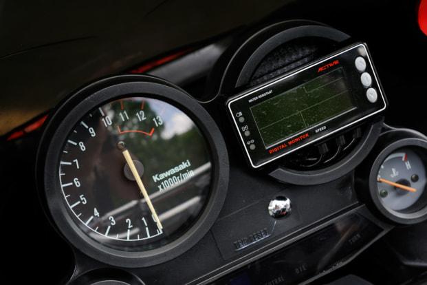 GPZ900R by バイクショップ プロミネント メーター