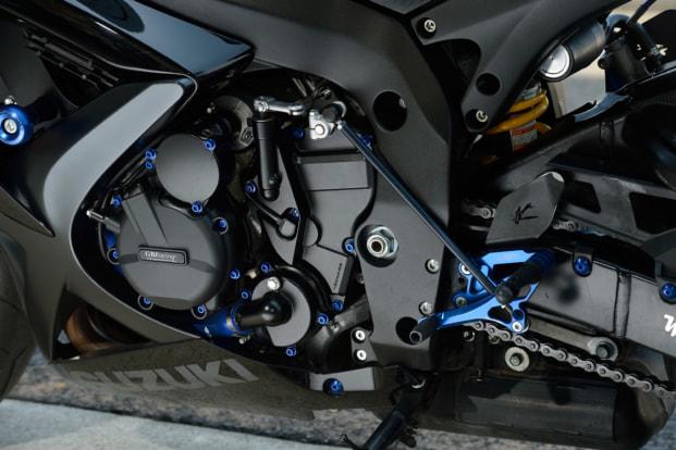 GSX-R600 by モトサロン・オカ エンジンカバー類のボルト