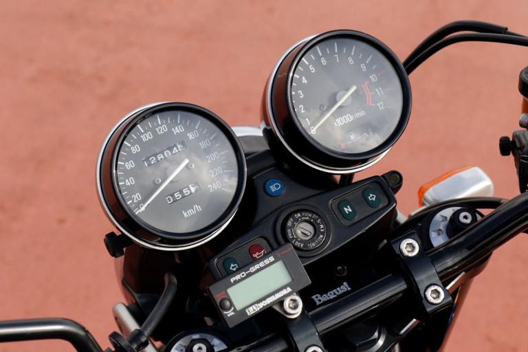 ZEPHYR750 by バグース! モーターサイクル メーターボディ