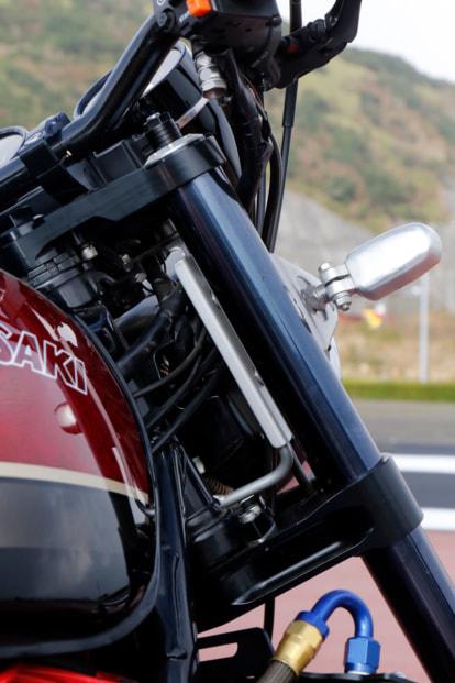 ZEPHYR750 by バグース! モーターサイクル オーリンズ正立フォーク