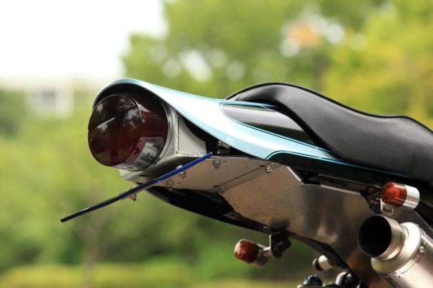 ZEPHYR750 by バグース! モーターサイクル フェンダーレス