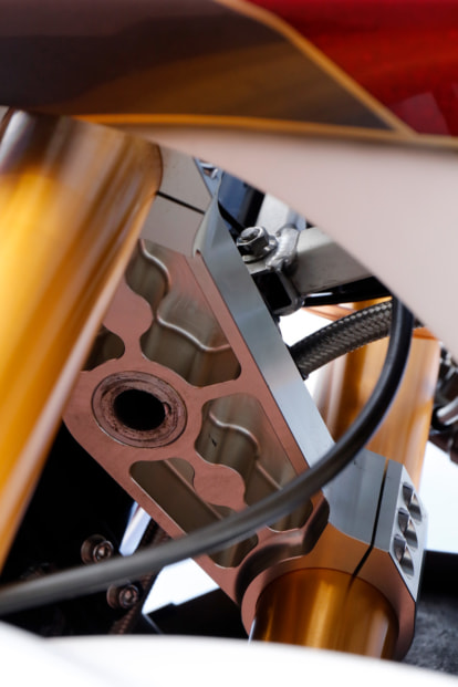 GPZ900R by トレーディングガレージ・ナカガワ ブラケット