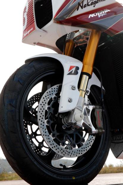 GPZ900R by トレーディングガレージ・ナカガワ オーリンズ倒立フォーク