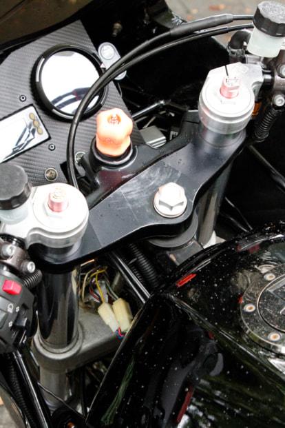 GPZ900R by バイクショップ プロミネント