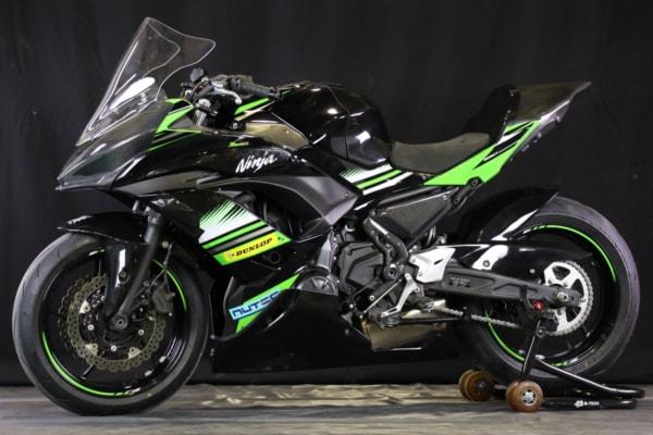Ninja 650/A-TECHカーボンパーツ装着車(レース)