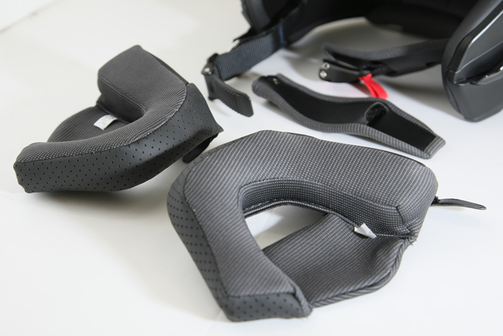 ROM ZEROS(ゼロス)ヘルメット・内装類