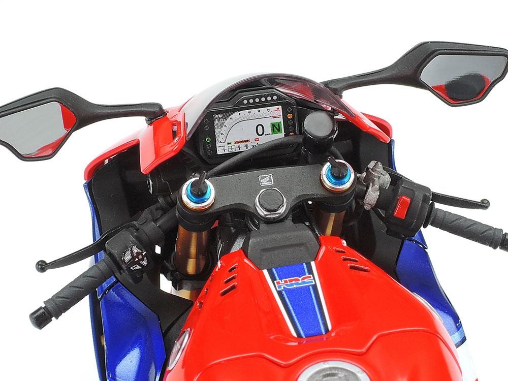 タミヤ 1/12スケール Honda CBR1000RR-R FIREBLADE SP ハンドル周りアップ