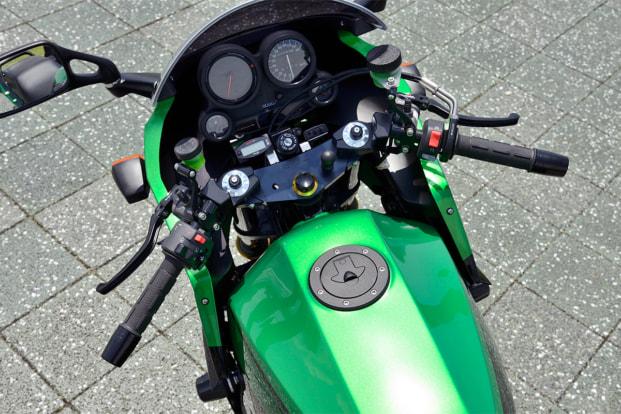 GPZ900R by ペックエンジニアリング