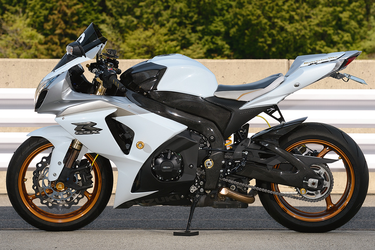 GSX-R1000 by モトサロン