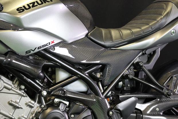 SV650X by エーテック サイドカバー