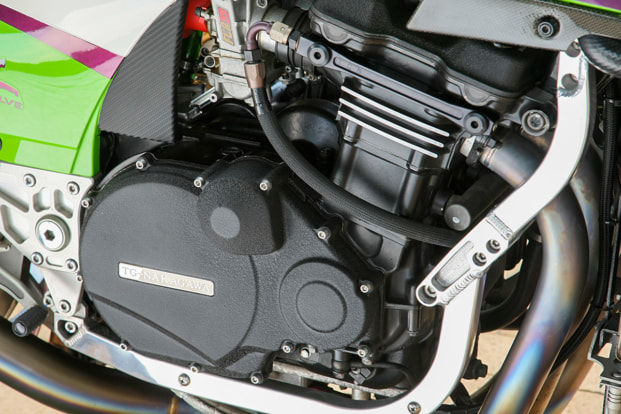 GPZ900R by トレーディングガレージ・ナカガワ