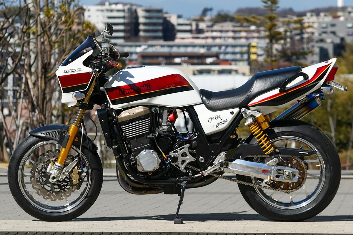ZRX1200R by ストライカーワークス