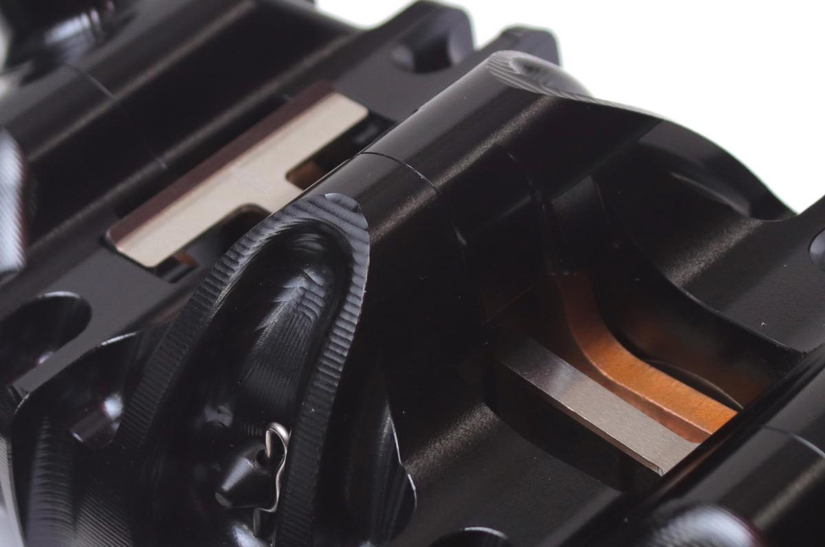 ゲイルスピード アキシャル(横置き)タイプ ブレーキキャリパー