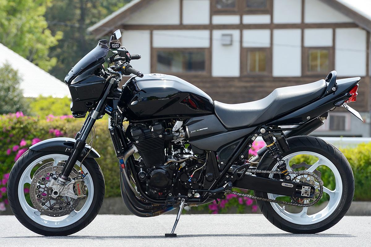 GSX1400 by しゃぼん玉本店