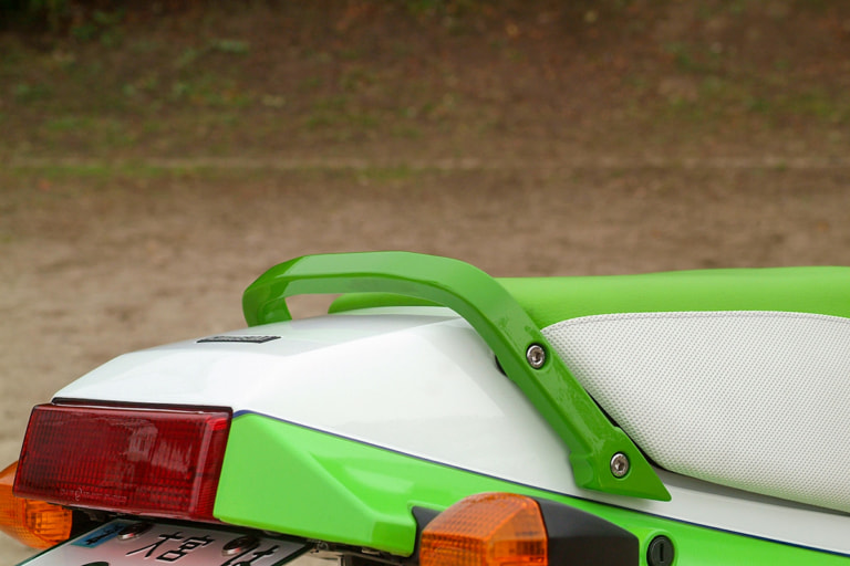 GPZ900R by サムライガレージ