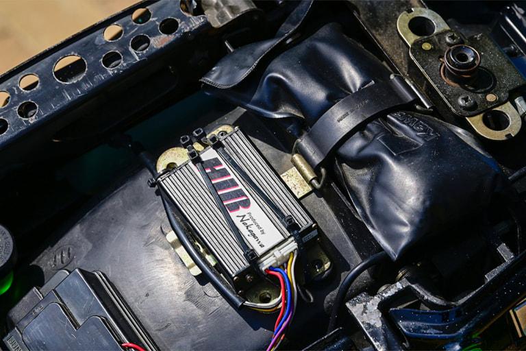 ZZR1100 by トレーディングガレージ・ナカガワ