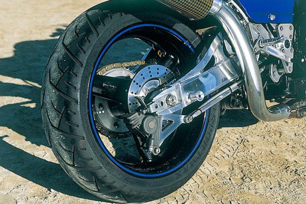 GPZ900R by タバックスエンジニアリング スイングアーム