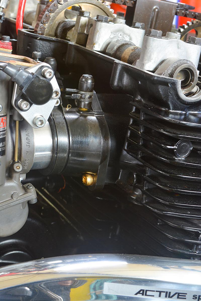 車種別カスタム:XJR1200/1300シリーズ キャブレターのインシュレーター