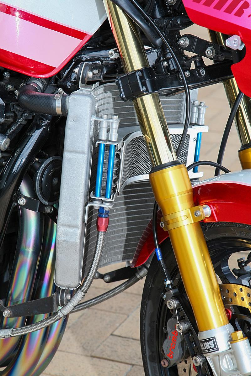 車種別カスタム:ZRX1200シリーズ(トレーディングガレージ・ナカガワ)編 オイルクーラー
