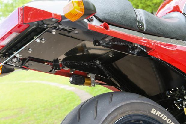 GPZ900R by バグース! モーターサイクル