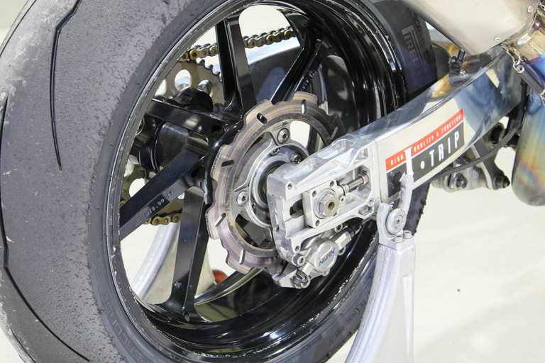 GPZ900R by パワービルダー リヤブレーキ