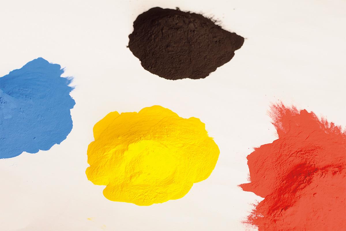 美しくパーツを保護する「パウダーコート」を知ろう パウダーコート用の塗料