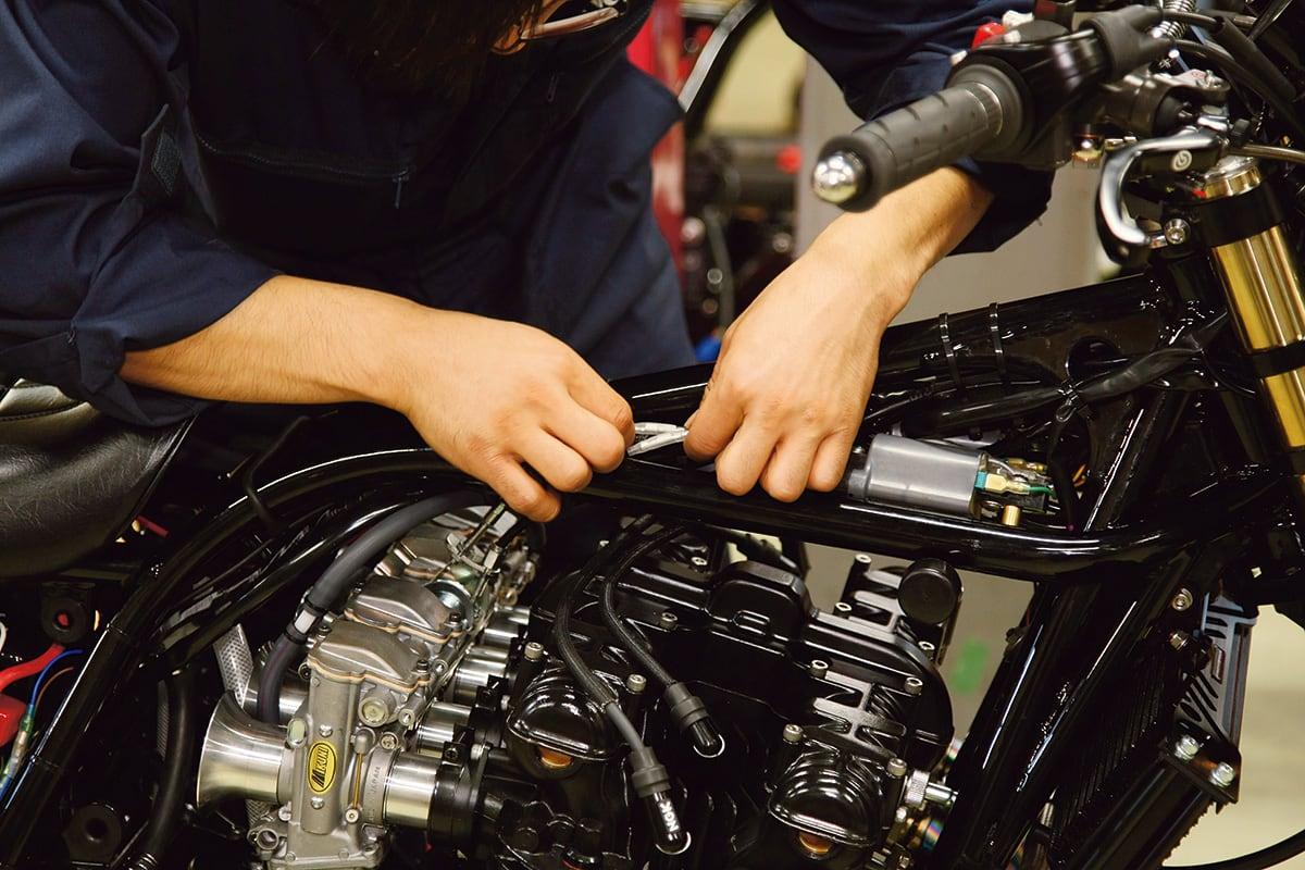 [カスタムの疑問]パーツ交換・修理時に発生する工賃 電装系の処理
