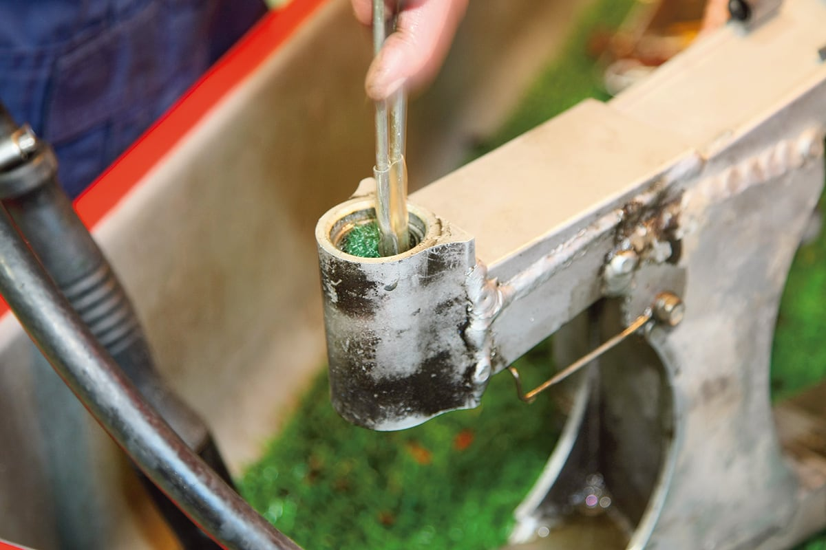 [カスタムの疑問]パーツ交換・修理時に発生する工賃 清掃