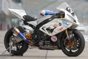 BMW S1000RR by しゃぼん玉本店